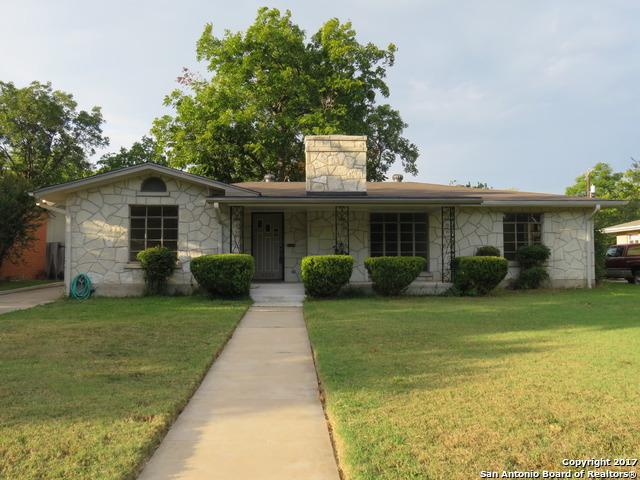 2323 W Gramercy Pl, San Antonio, TX 78201 (MLS #1270154) :: Exquisite Properties, LLC