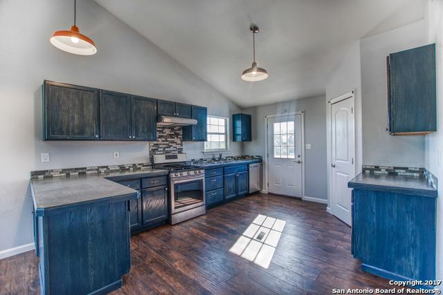 1287 Enchanted River Dr, Bandera, TX 78003 (MLS #1284753) :: Ultimate Real Estate Services