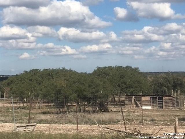 415 Ell Rd, Mountain Home, TX 78058 (MLS #1286929) :: The Castillo Group