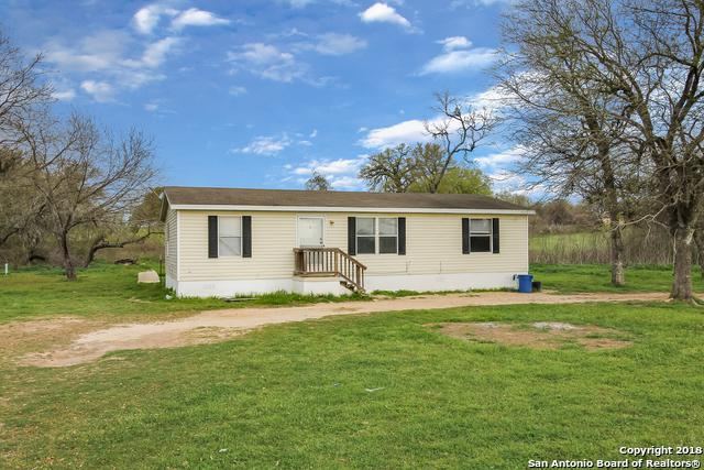 738 County Road 124, Floresville, TX 78114 (MLS #1291116) :: Ultimate Real Estate Services