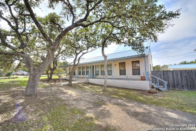 1072 Riata Pass, Spring Branch, TX 78070 (MLS #1294600) :: Ultimate Real Estate Services