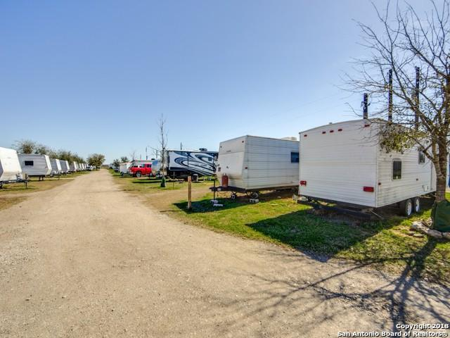 1956 Sutherland Springs, Floresville, TX 78114 (MLS #1296285) :: The Castillo Group