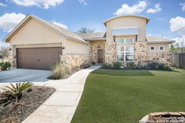107 Cedar St, Boerne, TX 78006 (MLS #1297356) :: Erin Caraway Group