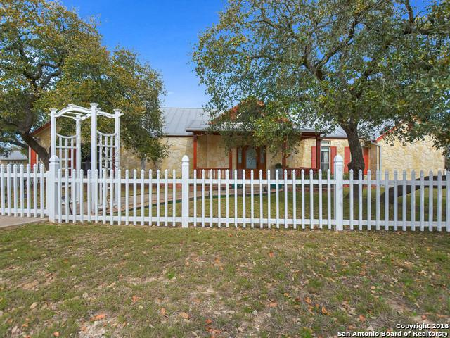 309 Pecan Pkwy, Boerne, TX 78006 (MLS #1298054) :: Exquisite Properties, LLC