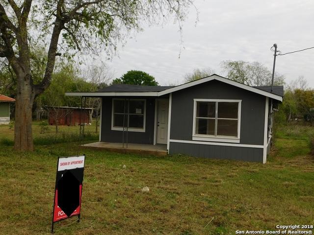 416 E Curtis St, Dilley, TX 78017 (MLS #1298382) :: Exquisite Properties, LLC