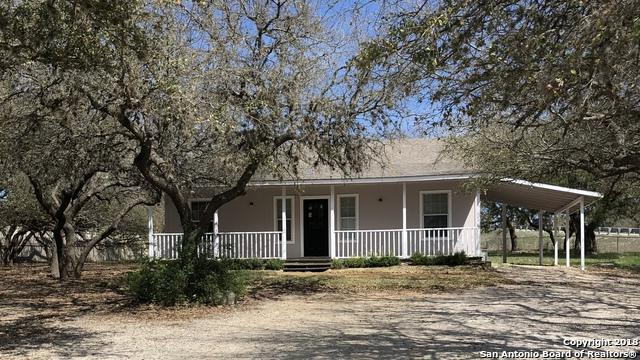 102 Walnut Way, Boerne, TX 78006 (MLS #1299290) :: Keller Williams City View