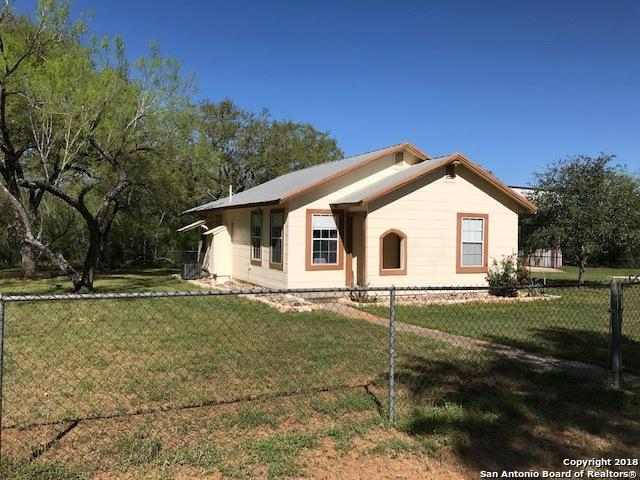 205 E County Road 304, Jourdanton, TX 78026 (MLS #1299648) :: NewHomePrograms.com LLC