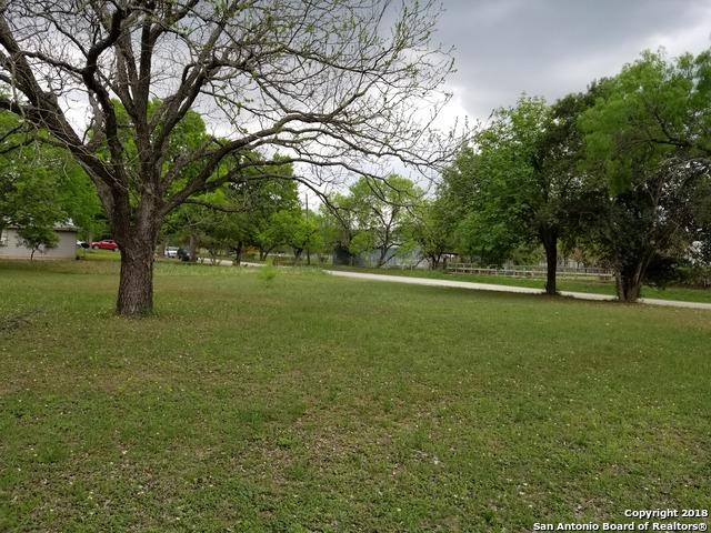 707 Algiers St., Castroville, TX 78009 (MLS #1299836) :: Ultimate Real Estate Services