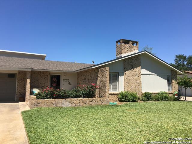 1228 Oakcrest Dr, Pleasanton, TX 78064 (MLS #1301615) :: Magnolia Realty