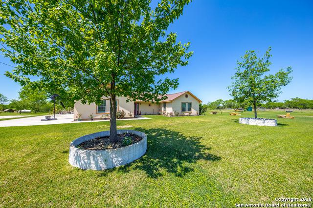6997 Raintree Grove, Elmendorf, TX 78112 (MLS #1301865) :: Ultimate Real Estate Services
