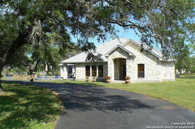 101 Sendera Crossing, La Vernia, TX 78121 (MLS #1303022) :: Erin Caraway Group