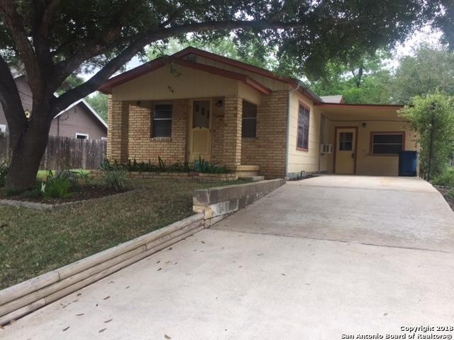 624 Bowen St, Pleasanton, TX 78064 (MLS #1307333) :: Erin Caraway Group