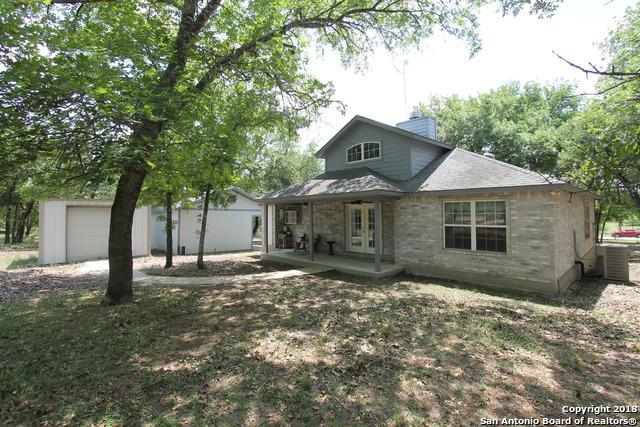 321 Whispering Oaks Dr, Adkins, TX 78101 (MLS #1307545) :: Erin Caraway Group