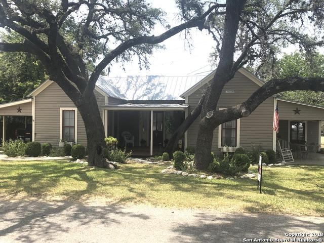 101 Live Oak, Comfort, TX 78013 (MLS #1308049) :: Alexis Weigand Real Estate Group