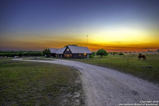 900 Union Wine Rd, New Braunfels, TX 78130 (MLS #1308350) :: NewHomePrograms.com LLC