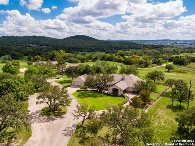 193 Ranch House Rd, Kerrville, TX 78028 (MLS #1309059) :: NewHomePrograms.com LLC