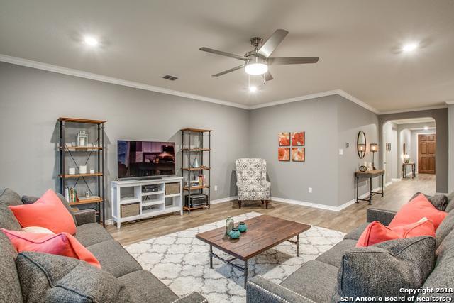 7627 San Mirienda, Boerne, TX 78015 (MLS #1309433) :: Erin Caraway Group