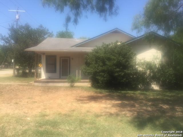 438 S Edwards Ave, Charlotte, TX 78011 (MLS #1316404) :: Exquisite Properties, LLC