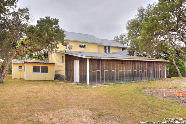 172 Camp Verde Rd, Bandera, TX 78003 (MLS #1317061) :: Neal & Neal Team