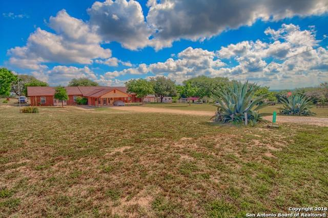 133 Big Oak Dr, Adkins, TX 78101 (MLS #1317132) :: Tom White Group