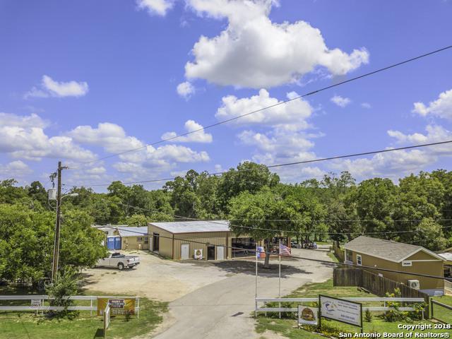 266 Meadow Lake Dr, Seguin, TX 78155 (MLS #1319518) :: Tom White Group