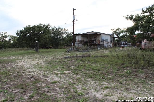 1115 Copperhead Rd, Seguin, TX 78155 (MLS #1320997) :: Tom White Group