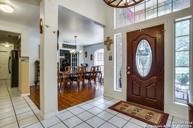 121 Emerald Drive, Floresville, TX 78114 (MLS #1326042) :: Magnolia Realty
