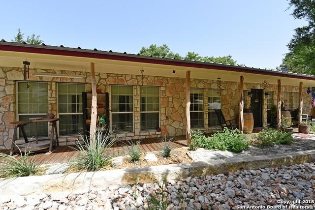 106 Roadrunner Trail, Boerne, TX 78006 (MLS #1327608) :: The Suzanne Kuntz Real Estate Team