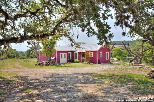 1284 Hills Of Bandera Rd, Bandera, TX 78003 (MLS #1327618) :: Magnolia Realty