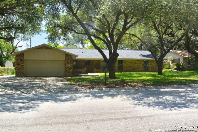 324 Chaparral, Pleasanton, TX 78064 (MLS #1330528) :: Erin Caraway Group