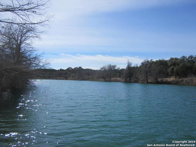 200 Lake Rd, Pipe Creek, TX 78063 (MLS #1333864) :: ForSaleSanAntonioHomes.com