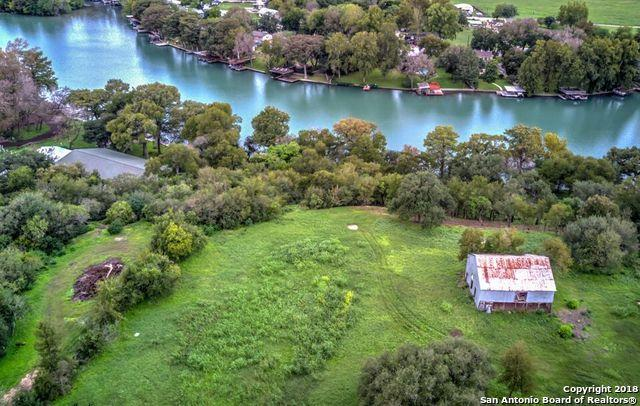 509 E Zipp Rd, New Braunfels, TX 78130 (MLS #1336722) :: Alexis Weigand Real Estate Group
