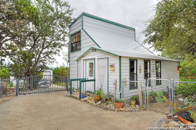 401 Pr 1520, Bandera, TX 78003 (MLS #1338936) :: Magnolia Realty