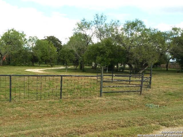 45 S View Dr, Lytle, TX 78052 (MLS #1339263) :: Vivid Realty