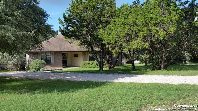 615 Lake Terrace Dr, Lakehills, TX 78063 (MLS #1339287) :: Erin Caraway Group
