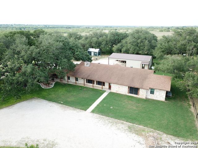 1081 County Road 7711, Devine, TX 78016 (MLS #1340722) :: NewHomePrograms.com LLC