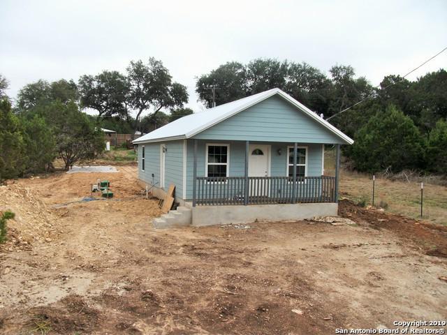 460 Burr Oak Ln, Canyon Lake, TX 78133 (MLS #1341643) :: ForSaleSanAntonioHomes.com