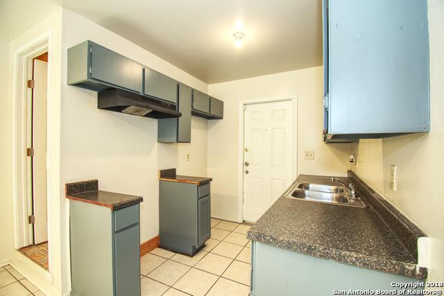 6035 Castle Queen, San Antonio, TX 78218 (MLS #1342362) :: Erin Caraway Group