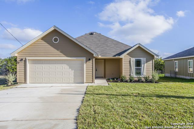1032 Rimrock Cove, Spring Branch, TX 78070 (MLS #1343524) :: The Suzanne Kuntz Real Estate Team