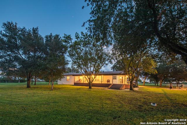 15075 E Lupon Rd, St Hedwig, TX 78152 (MLS #1343816) :: Erin Caraway Group
