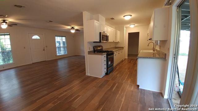9203 Five Forks St, San Antonio, TX 78245 (MLS #1344043) :: Alexis Weigand Real Estate Group