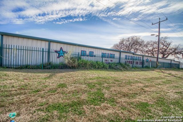 17992 I-35 S, Lytle, TX 78052 (MLS #1344873) :: Vivid Realty