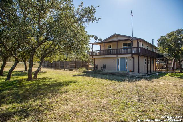401 Sky Harbor Rd, Mountain Home, TX 78058 (MLS #1345478) :: Alexis Weigand Real Estate Group