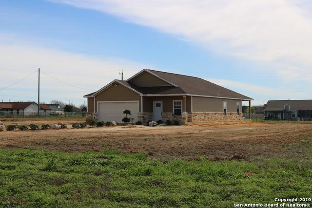 3780 Fm 3175, Lytle, TX 78052 (MLS #1346520) :: Alexis Weigand Real Estate Group