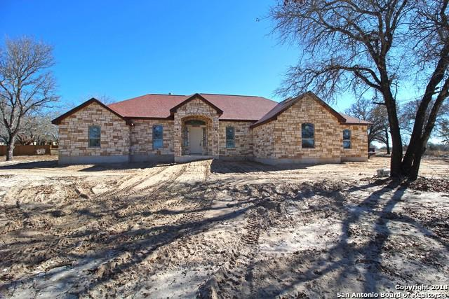 117 W. Hidden Pond Dr, Adkins, TX 78101 (MLS #1349968) :: Exquisite Properties, LLC