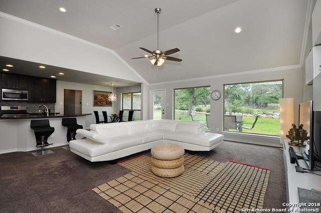 135 Flanders, Fischer, TX 78623 (MLS #1351588) :: Berkshire Hathaway HomeServices Don Johnson, REALTORS®
