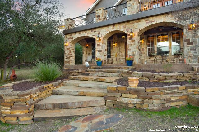 149 Pin Oak Trail, New Braunfels, TX 78132 (MLS #1351647) :: NewHomePrograms.com LLC
