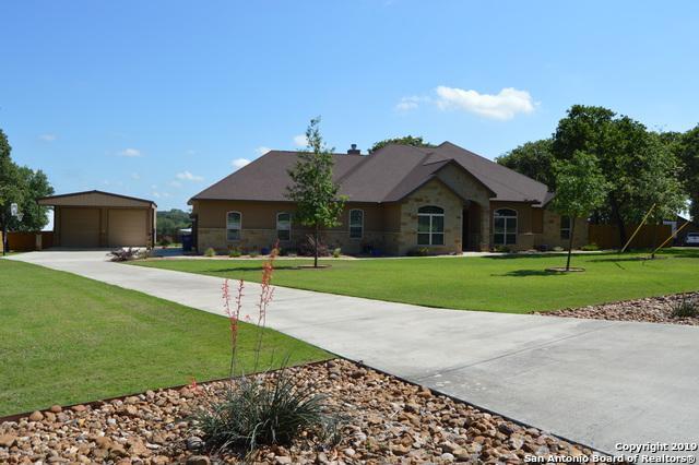 180 Copper Ridge Dr, La Vernia, TX 78121 (MLS #1352168) :: Alexis Weigand Real Estate Group