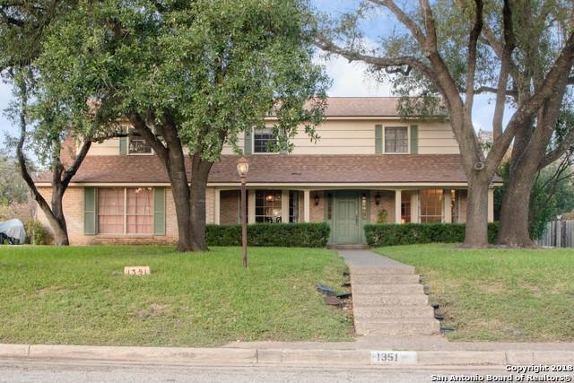 1351 Spanish Oaks, San Antonio, TX 78213 (MLS #1352521) :: Tom White Group