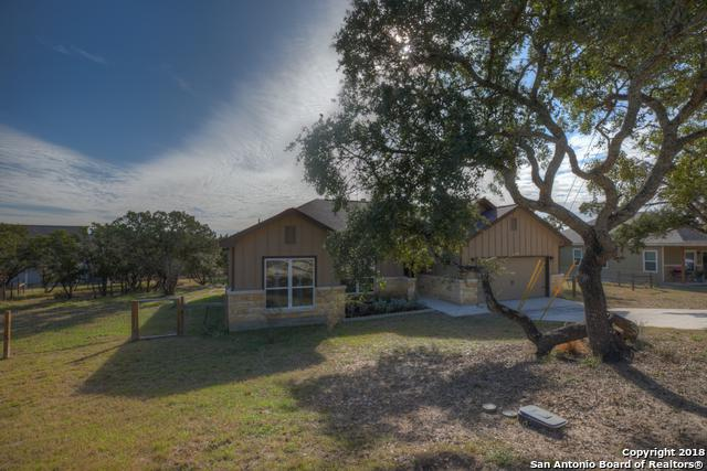 950 Live Oak Dr, Spring Branch, TX 78070 (MLS #1352580) :: Alexis Weigand Real Estate Group
